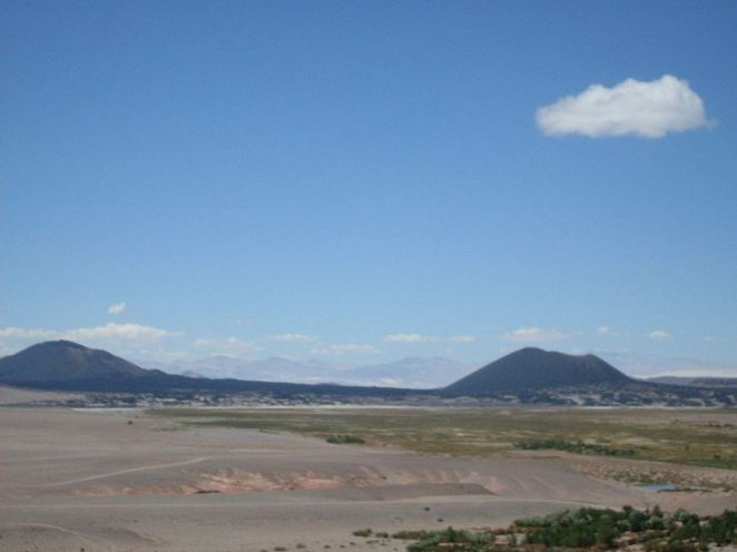 800px-Volcan_Alumbrera_y_Antofagasta